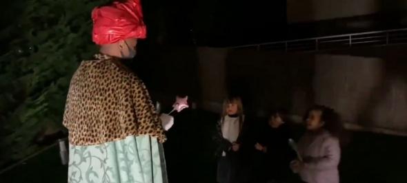 El Rei Baltasar i Camàlics visiten els infants del Bages durant la nit de Reis