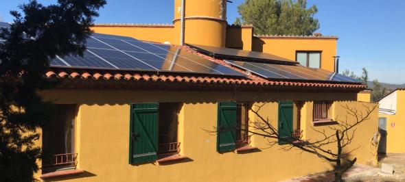 L'entesa entre 4 cooperatives fa possible la creació d'una instal·lació fotovoltaica autònoma, al Centre d'acollida l'Illot Gran.